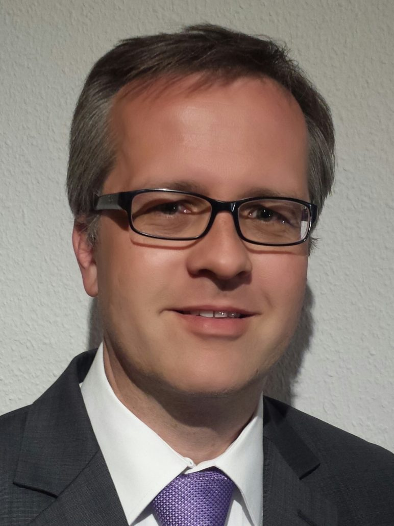 Dr. Henning Müller